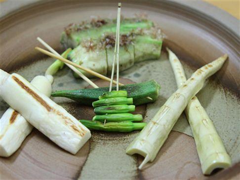 ヘルシーな野菜の串焼も多数