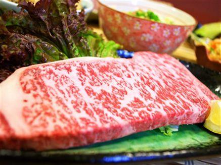 甘味があり口の中でとろける石垣牛ステーキ