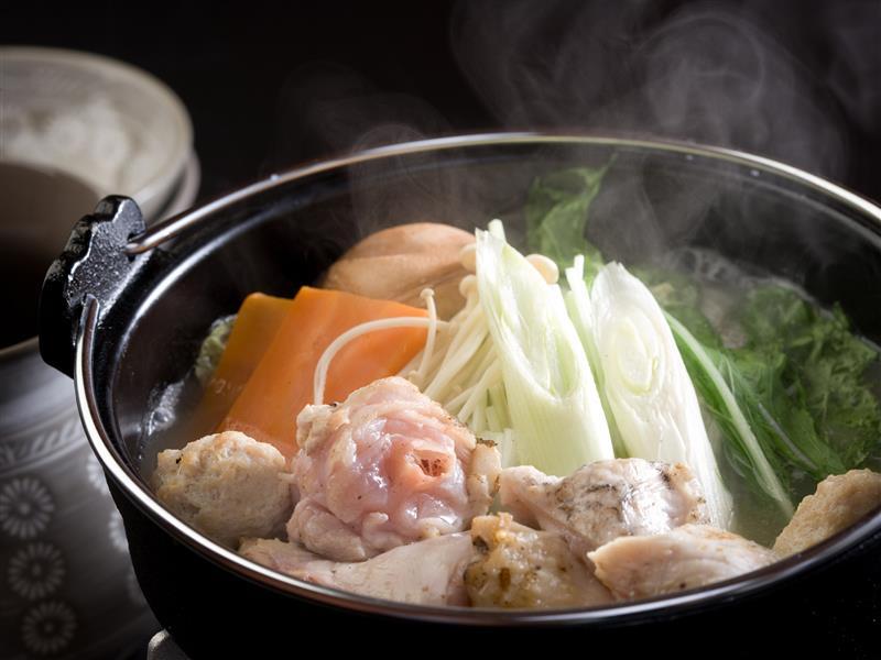 じんわり沁みる地鶏のスープ鍋