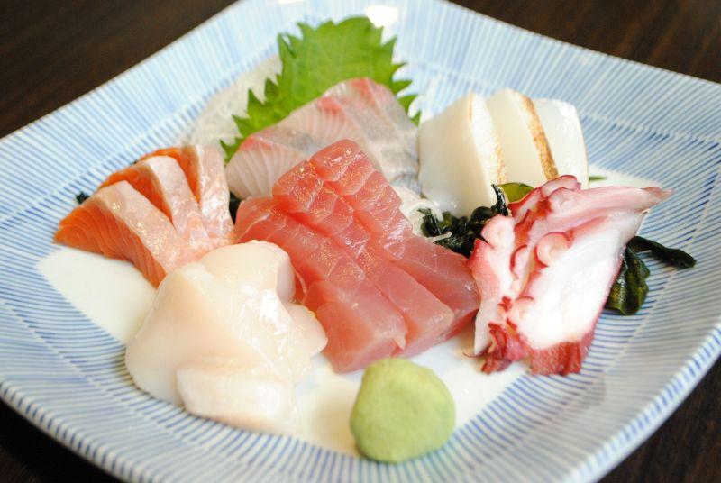 ★お刺身やお寿司も食べ放題★