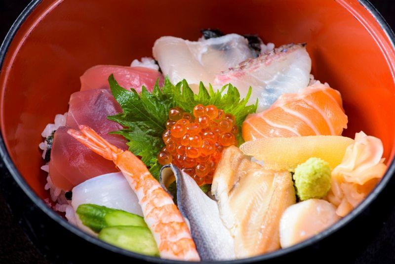 平日ランチ 女性に人気の「ちらし寿司御膳」