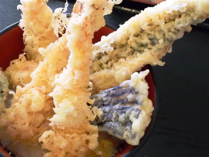 人気メニューの天丼!
