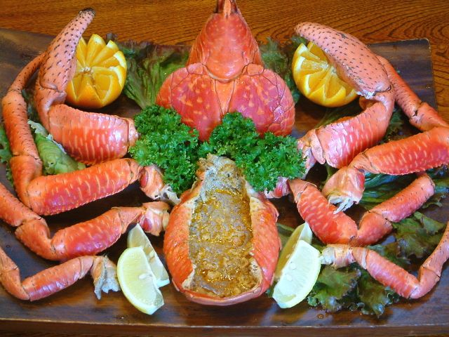 八重山ならではのヤシガニ料理(季節限定)
