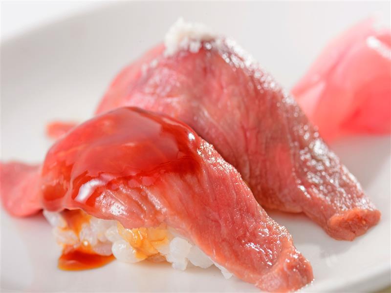 美崎牛の炙り寿司。口の中でとろけます♪