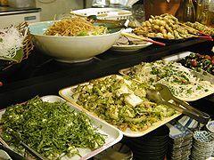 約20種類の惣菜も取り放題!