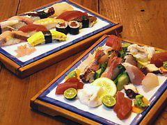 寿司職人が作る豪華な盛合せ
