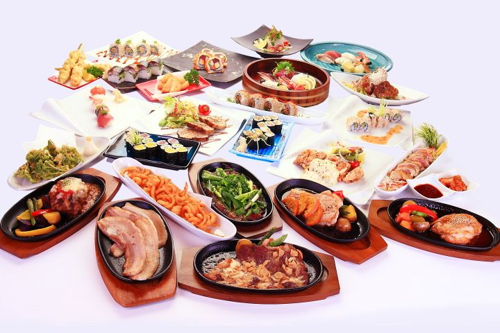 料理は全部で約100種類以上!
