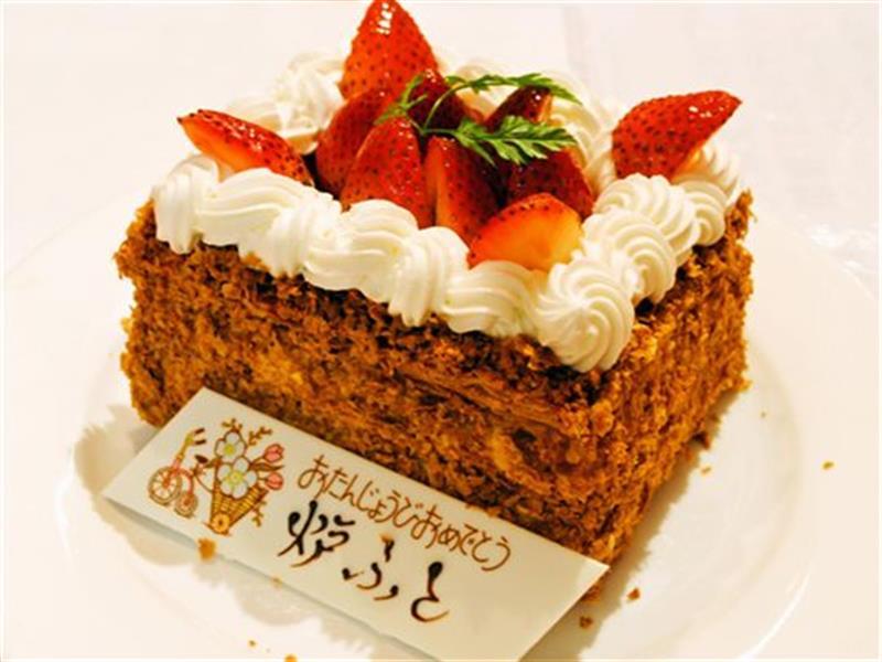 特製バースデイケーキでお祝い