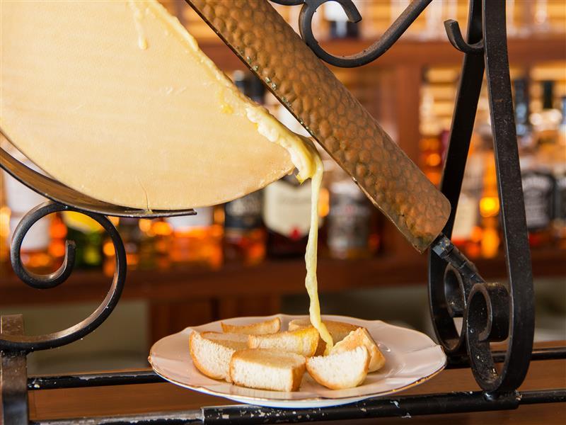 チーズにワイン、至福の時♪