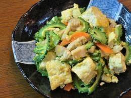 沖縄料理の定番、ゴーヤーちゃんぷるー