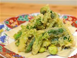 サクサク食感、季節野菜の天ぷら