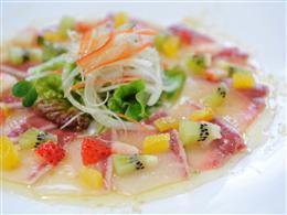 あっさり味わう鮮魚のカルパッチョ