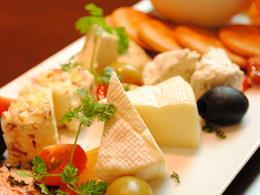 ワインと良く合うチーズの盛り合わせ