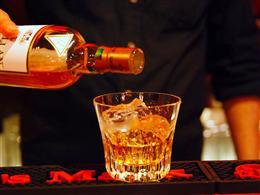 バカラのグラスでウィスキーを飲む贅沢さ!