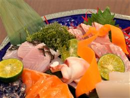 魚の鮮度にもこだわった刺し盛は贅沢な気分