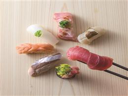 新鮮なお寿司を日本酒とともにご提供