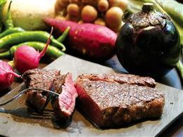 お肉は2ケ月以上かけて熟成