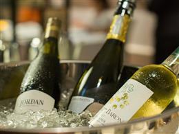 ソムリエが厳選したワインやシャンパーニュ