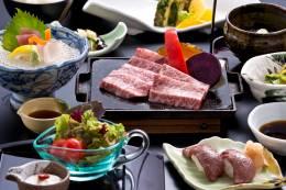 沖縄県産和牛の炙り寿司~トリュフの塩添え~