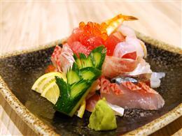 その日のネタがたっぷり☆ぶっかけ寿司