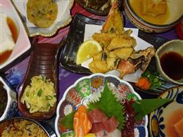 懐かしい沖縄の家庭料理も豊富