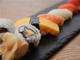 お寿司、しゃぶしゃぶ食べ放題!