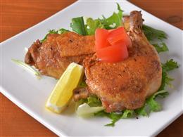 骨付き鶏もも肉のガーリックバター焼き
