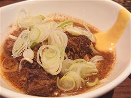 東京下町亀戸五丁目風豆腐と牛肉の味噌煮込み