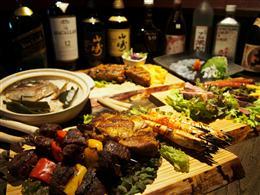 産地直送にこだわった料理&約80種類以上のお酒!