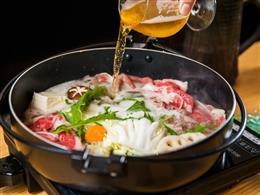 石垣牛すき焼きの隠し味は、ビールです