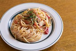 生トマトとモッツァレラチーズのパスタ