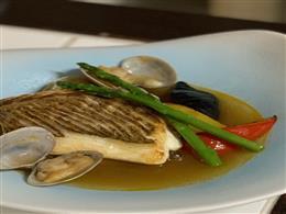 鮮魚のポワレ・ビスクスープ仕立て