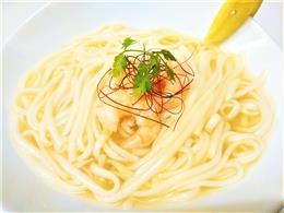"""伊是名産島米""""太陽麺""""のフォー(海老)"""