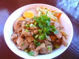 魯肉飯(煮込み豚肉かけご飯)