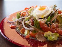 生ハムの半熟卵のKanonサラダ