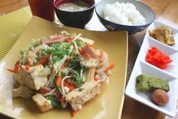「豆腐チャンプルー定食」定番メニューも550円!