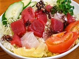 サラダは580円からご用意しております