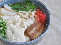 ぷるぷる食感のゆし豆腐