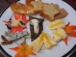 厳選秋のチーズ盛り合わせ♪ 1800円