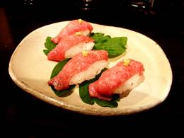 石垣牛ヒウチの炙り握り鮨