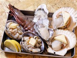 お席で楽しめる海鮮の網焼きもおすすめです!