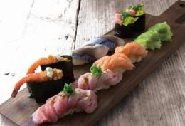 魚学 魚寿司 久茂地本店