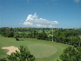潮風が心地よい、残波ゴルフクラブのショートコース