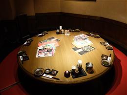 顔が見えるのが嬉しい、丸いテーブルの個室