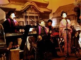 民謡ライブは一日4回開催