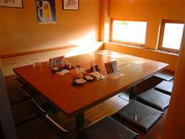 20人用の宴会も対応可能な個室