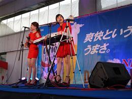 ライブは1日2回開催!