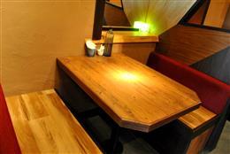 4名様でご利用可能のテーブル席