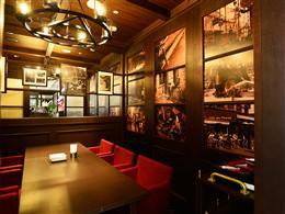 個室は2部屋あり。商談や会食にも