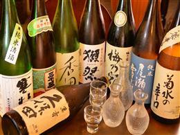 日本各地から日本酒を取り寄せております